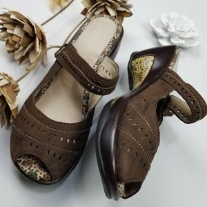 💝🌷 Jambu - Brown Leather Mary Jane Clogs 9.5